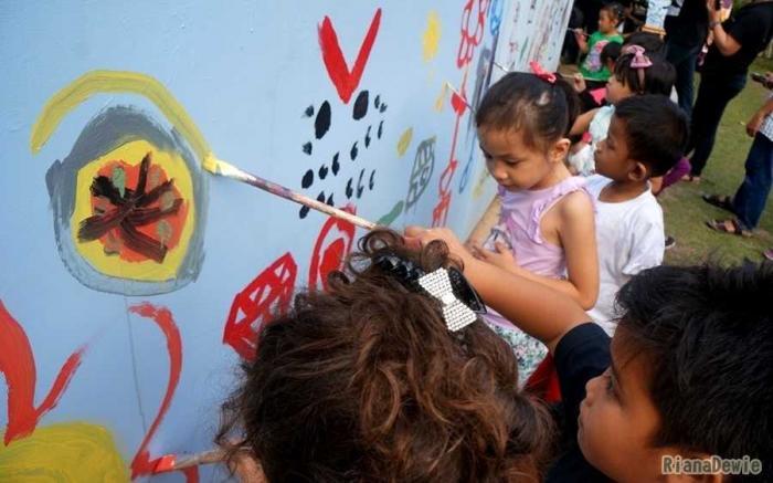 Asah Kreativitas Anak dalam Festival Craft dan Mural