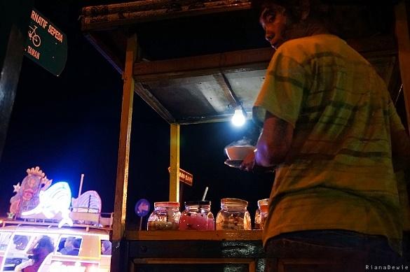 Wisata Malam di Jogja, wedang ronde menambah hangat suasana