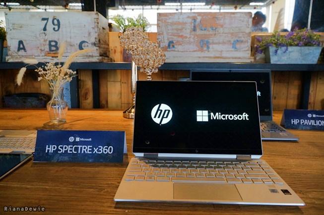 HP Spectre x360 saat launching di Jogja