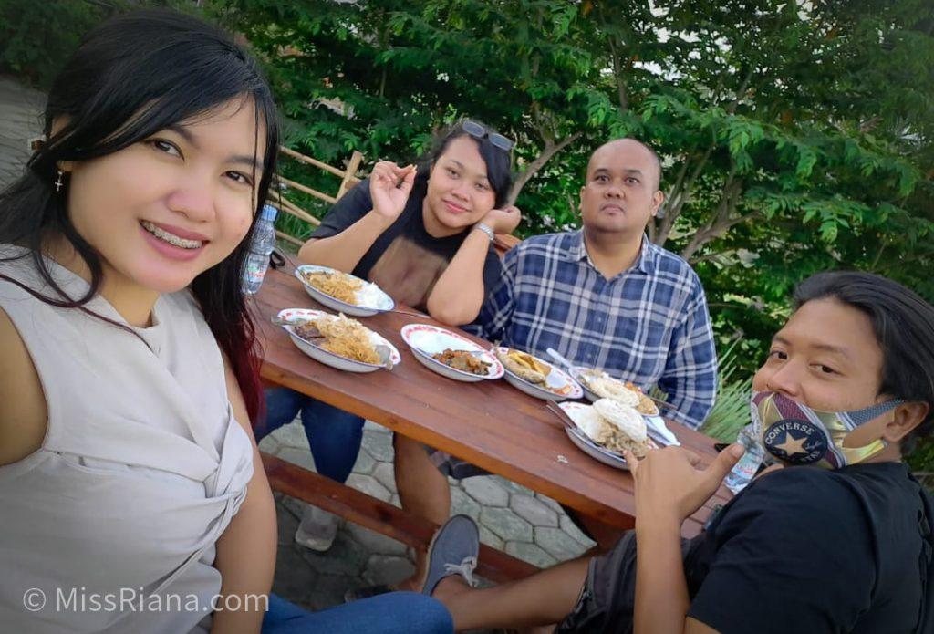Kami Nongkrong di Kopi Ampirono Nanggulan (Dok. Riana Dewie)